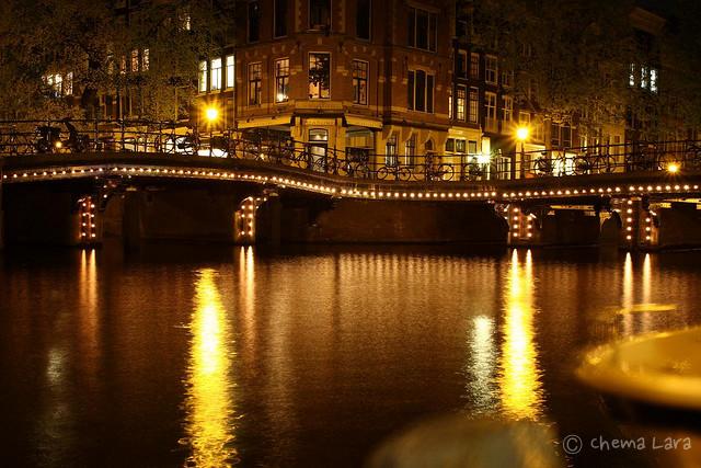 Siguiendo la línea de puntos en Amsterdam